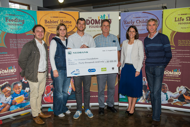 cheque-handover-domino-2016